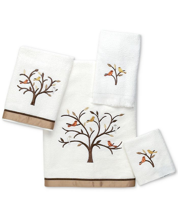 Avanti - Friendly Gathering Cotton Embroidered Fingertip Towel