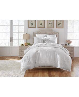 Chelsea Court Bedroom Furniture, 3-Pc. Set (Queen Bed, Nightstand & Dresser), Created for Macy's