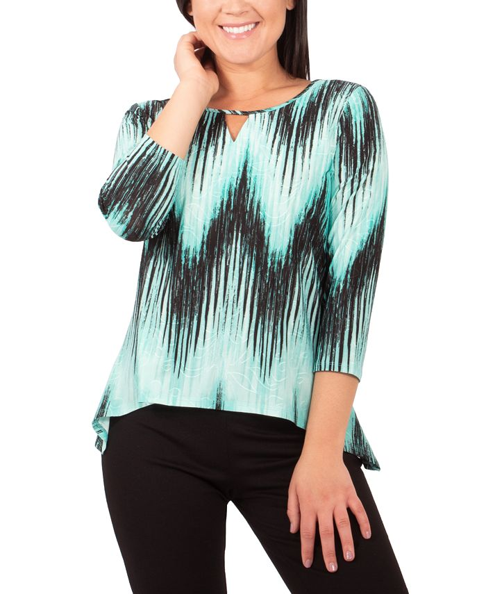 NY Collection - Petite Printed Keyhole Top