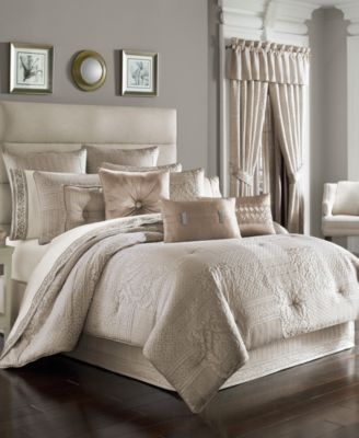 J Queen New York Wilmington Alabaster California King Comforter Set