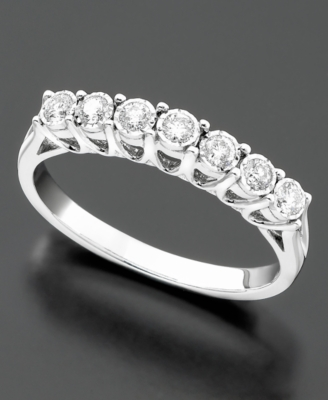 14k White Gold Diamond Wedding Band (1/4 ct. t.w.)