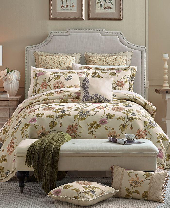 Croscill - Daphne Queen Comforter Set