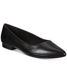 Bella Vita Vivien Pointed-Toe Flats