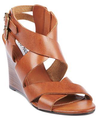 يا حلاوتك بتشكيلة أحذيه من ماركة ستيف مادن 2013 1523366_fpx.tif