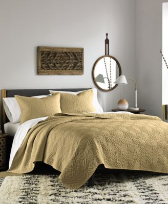 Bar III Interlock Gold Full/Queen Quilt