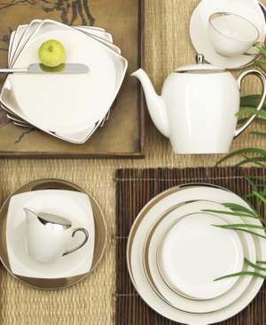"Pickard ""Crescent"" 5 Piece Place Setting"