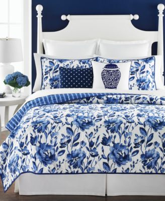 Martha Stewart Collection Watercolor Rose Full/Queen Quilt, Only at Macy's