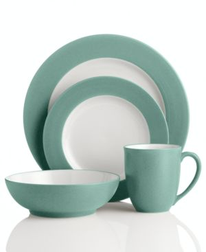 Noritake Dinnerware, Colorwave Green Rim 4 Piece Place Setting