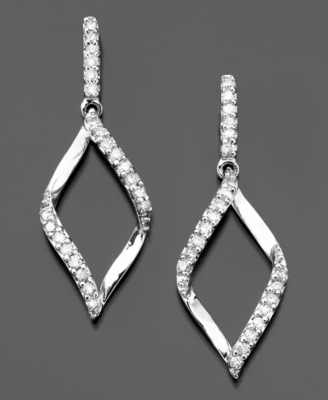 14k White Gold Diamond Flame Drop Earrings (1/4 ct. t.w.)
