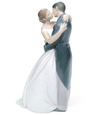 Nao by Lladro Collectible Figurine, A Kiss Forever