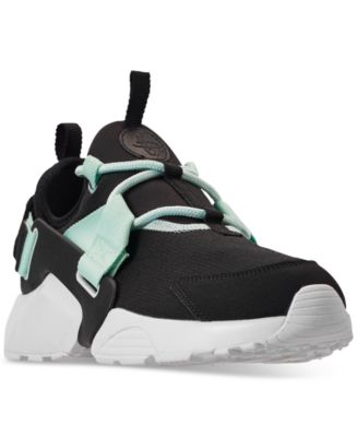 Air Huarache City Low Casual Sneakers