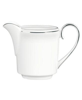 Vera Wang Wedgwood Dinnerware, Blanc sur Blanc Creamer