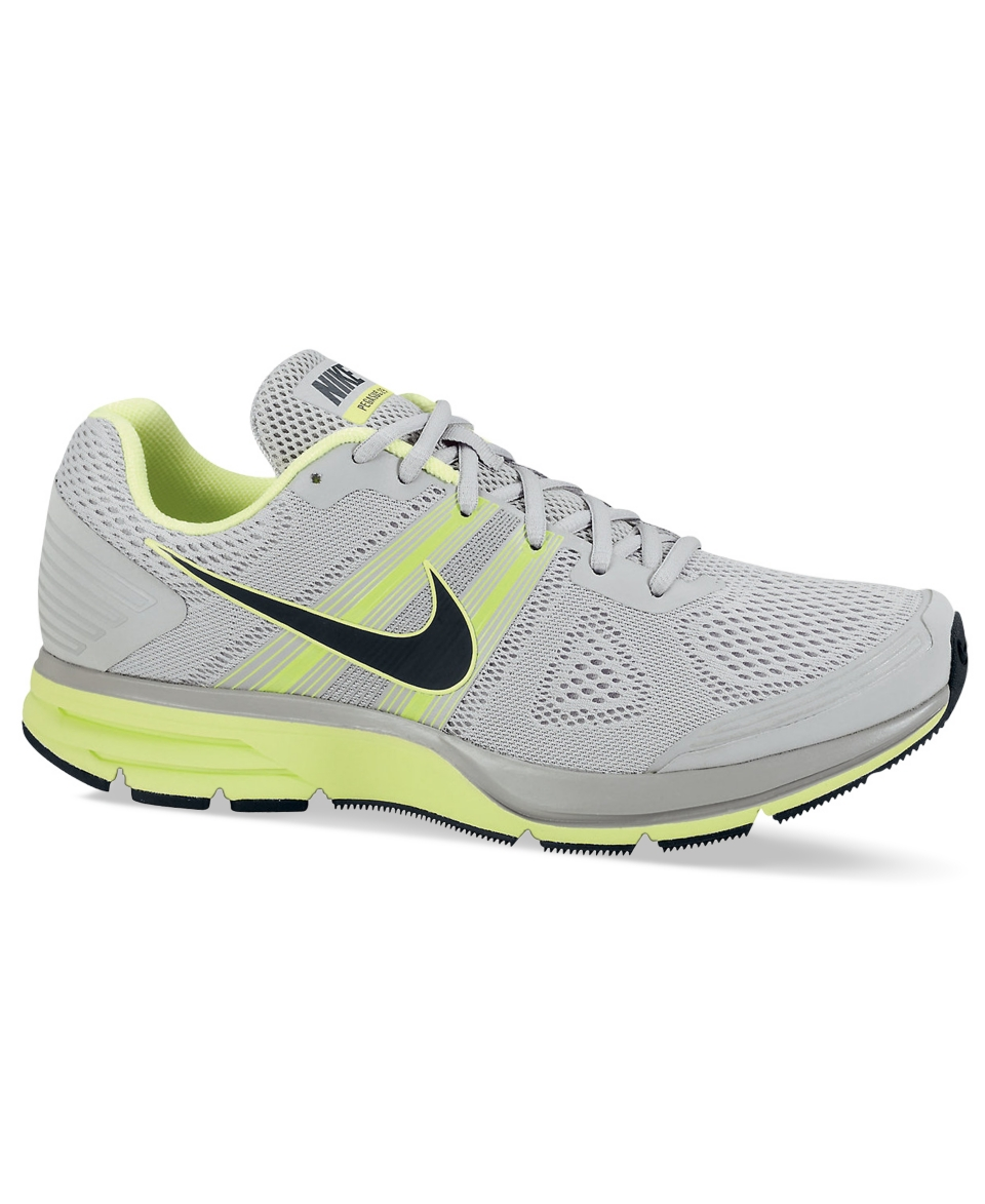 53bf669e55fa Nike Shoes