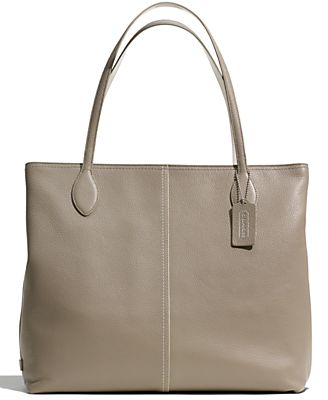COACH TOTE IN LEATHER