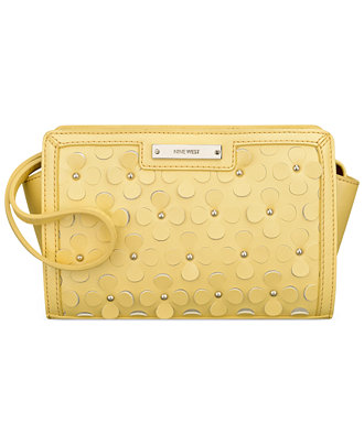 Nine West Table Treasure Wristlet Clutch