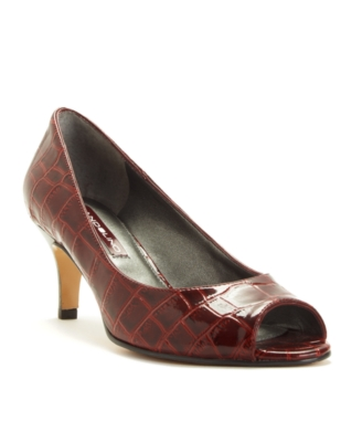 Bandolino Shoes, Shelley Pumps Women's Shoes