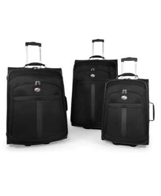 "American Tourister Suitcase, 21"" Accord II Expandable Carry-On"