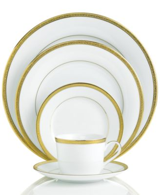 "Charter Club ""Grand Buffet Gold"" 5-Piece Place Setting"