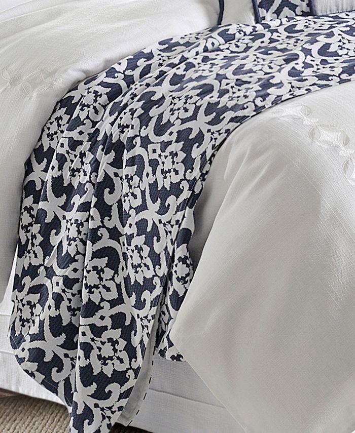 HiEnd Accents - Kavali Navy & White Floral Jacquard Duvet, Super King