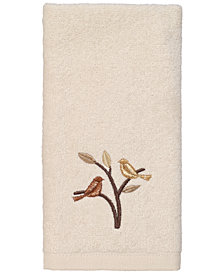 Avanti Friendly Gathering II Fingertip Towel