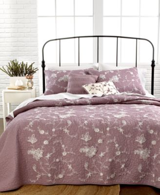nostalgia home bedding neveah purple quilts quilts bedspreads bed bath macy 39 s. Black Bedroom Furniture Sets. Home Design Ideas