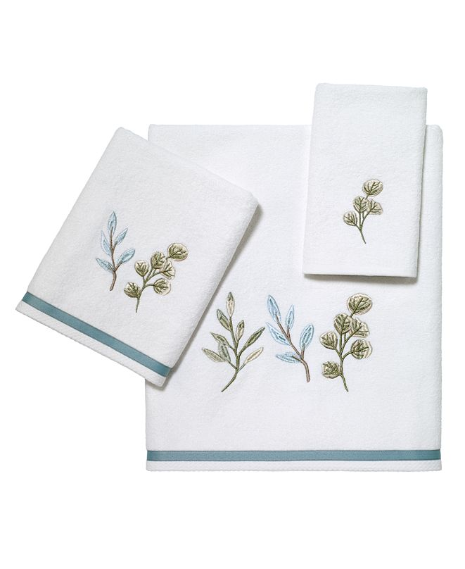 Avanti Ombre Leaves Bath Towels Collection