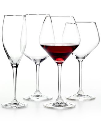 Set of 2 Heart to Heart Chardonnay Glasses
