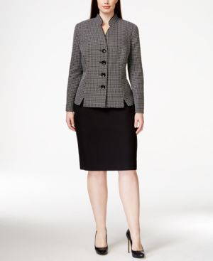 Le Suit Plus Size Four-Button Plaid Skirt Suit
