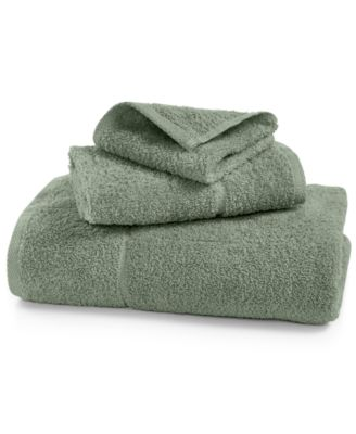 "IZOD Performance 16"" x 26"" Hand Towel"