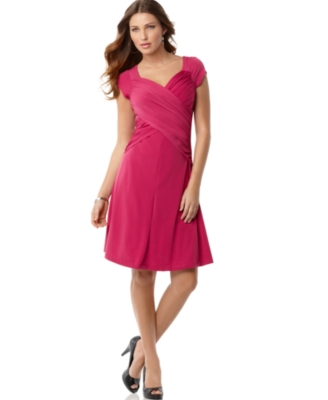 B Slim Dress, Slimming Short Sleeve Cross Front