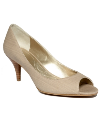 Tahari Shoes, Marie Pumps Women's Shoes
