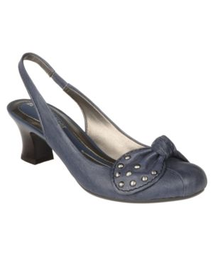 Naturalizer Shoes, Brayah Pumps Women's Shoes
