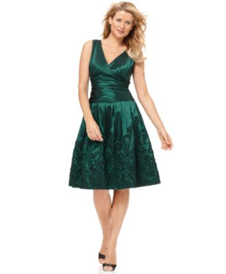 SL Fashions Dress, Sleeveless Ruched Empire Waist Pleated A-Line