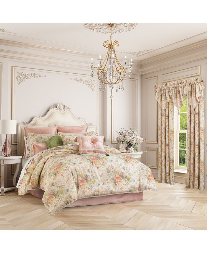 J Queen New York - Floral Park  Queen 4 Piece Comforter Set