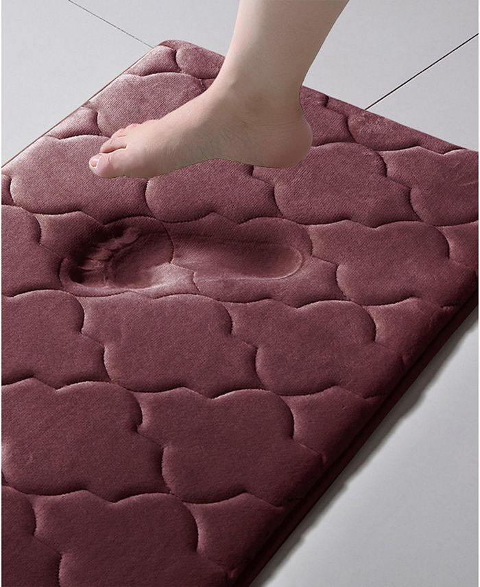 "VCNY Home - Amadora Quatrefoil 24"" x 60"" Memory Foam Bath Runner"