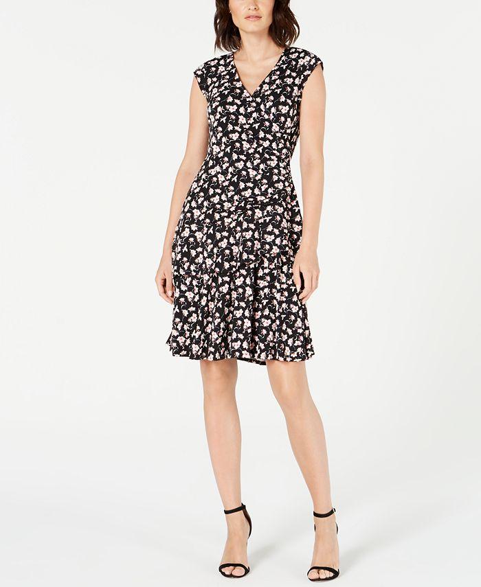 Robbie Bee - Petite Printed Ruffled Wrap Dress