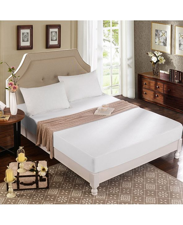 Christopher Knight King Mattress Protector and 2 Queen Pillow Protectors