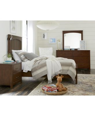 Ashford Bedroom Furniture, 3-Pc. Set (Full Bed, Nightstand & Chest)