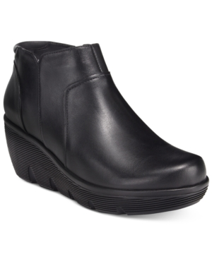 Clarks Artisan Women's Clarene Sun Shooties Women's Shoes