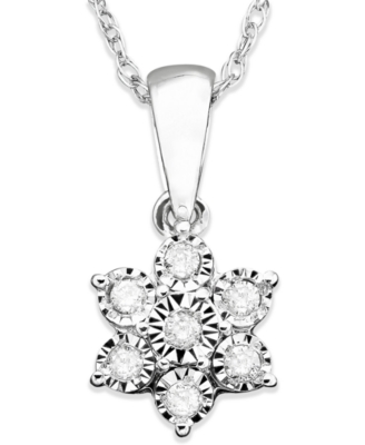 14k White Gold Diamond Flower Pendant (1/10 ct. t.w.)